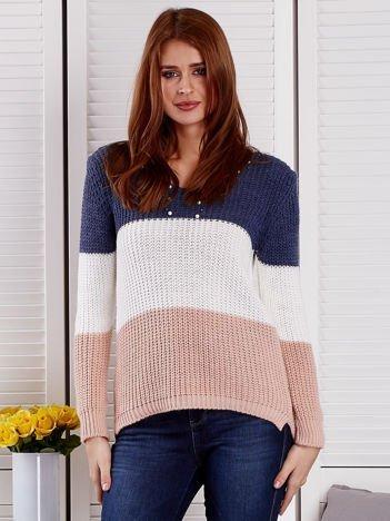 Niebieski-ecru sweter z perełkami