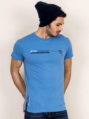 Niebieski t-shirt męski z drobnym printem