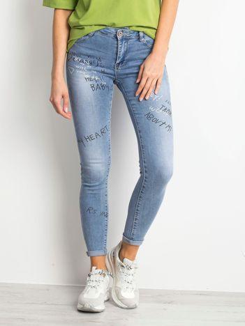431fad2789 Niebieskie jeansy Embrace