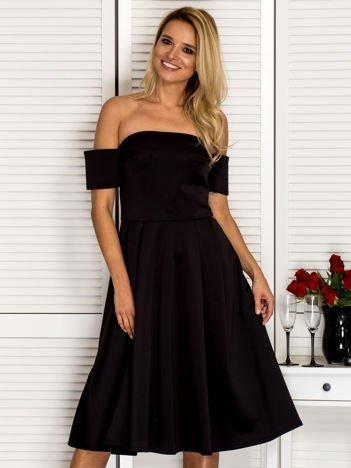 Odcinana sukienka koktajlowa off shoulder czarna