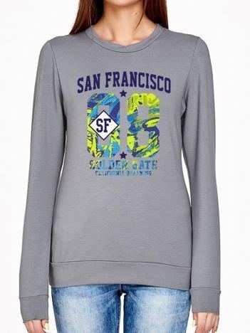 Oliwkowa bluza z miejskim nadrukiem
