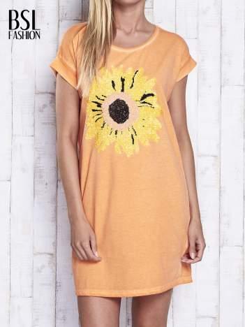 Pomarańczowa dekatyzowana sukienka z cekinowym słonecznikiem