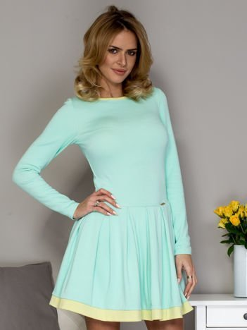 Rozkloszowana sukienka damska miętowa