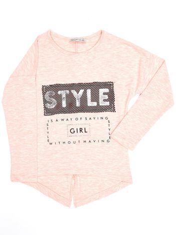 Różowa bluzka dla dziewczynki z napisem i aplikacją