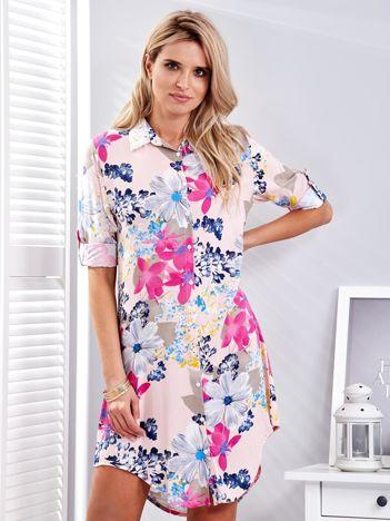 Różowa koszulowa sukienka w kolorowe kwiaty
