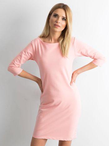 Różowa sukienka z bawełny