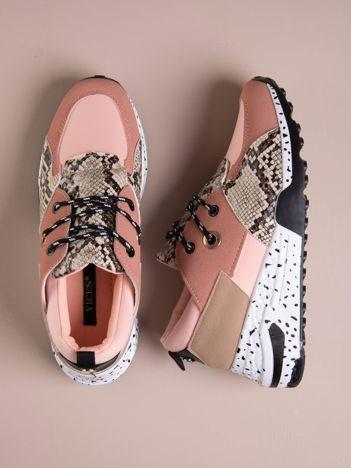 Różowe buty sportowe z wstawką w wężowy print
