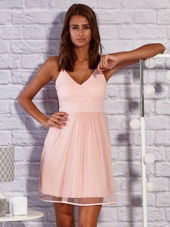Różowe sukienka koktajlowa z tiulową spódnicą