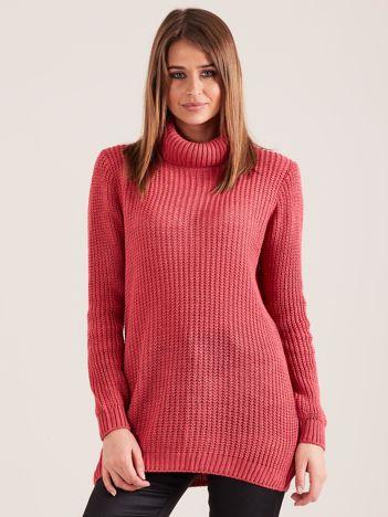 Różowy sweter golf