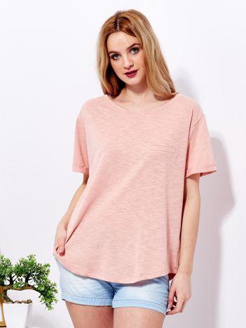 Różowy t-shirt basic z podwijanymi rękawami