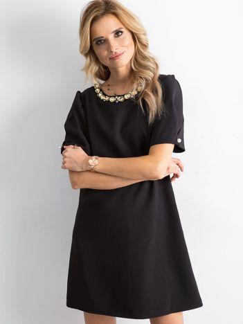 SCANDEZZA Czarna sukienka z kryształkami