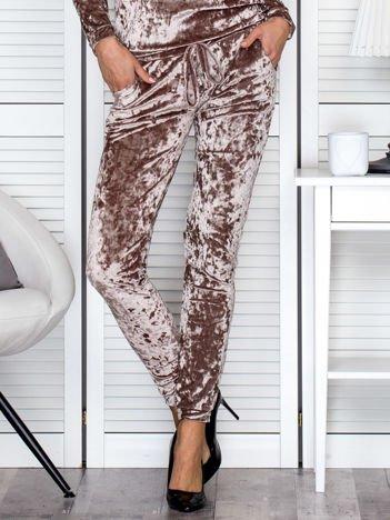 Spodnie dresowe beżowe z weluru