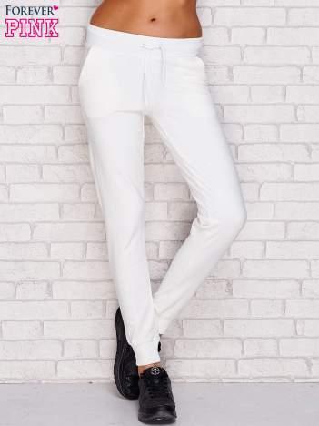 Spodnie dresowe gładkie ecru