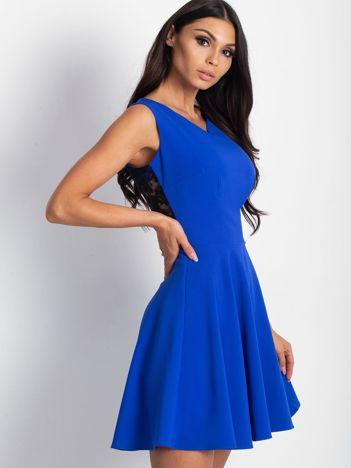 Sukienka damska z transparentną wstawką z tyłu kobaltowa