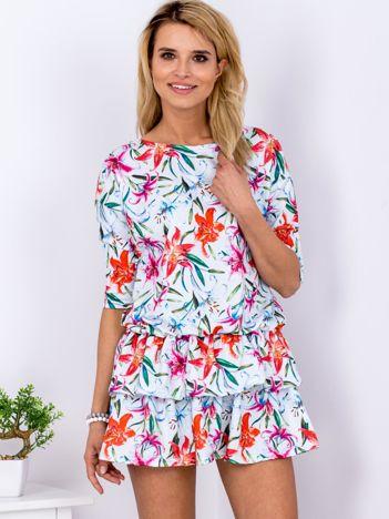 Sukienka jasnoniebieska w lilie z warstwowymi falbanami