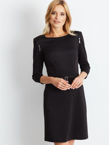 Sukienka koktajlowa z ozdobnymi suwakami czarna