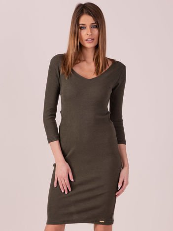 Sukienka z bocznymi wycięciami khaki