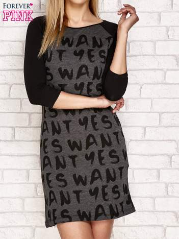 Sukienka z tekstowym nadrukiem ciemnoszara