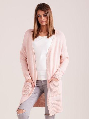 Sweter damski z kieszeniami jasnoróżowy