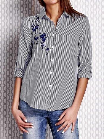 Szara koszula z kwiatową naszywką