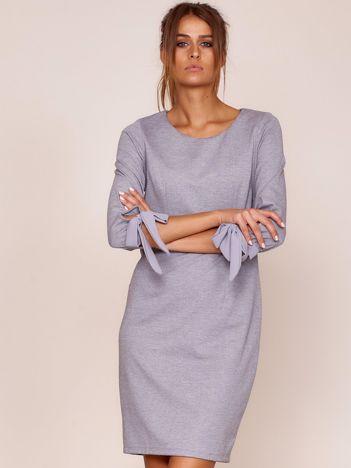 Szara sukienka damska z wiązanymi rękawami