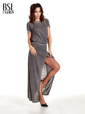 Szara sukienka maxi z dekoltem na plecach