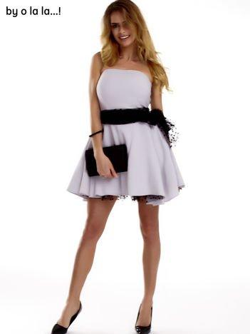 Szara sukienka z czarnm ozdobnym wiązaniem BY O LA LA