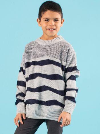 Szaro-granatowy sweter chłopięcy w paski