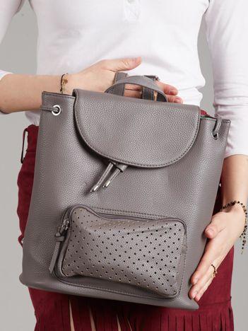 Szary plecak damski z ażurową kieszenią
