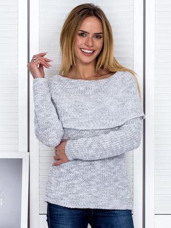 Szary sweter melange z szeroką falbaną