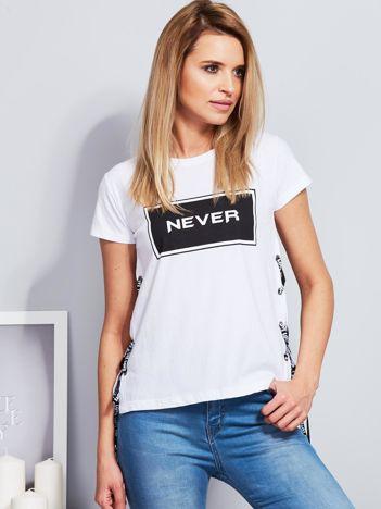 T-shirt biały ze sznurowaniem na bokach