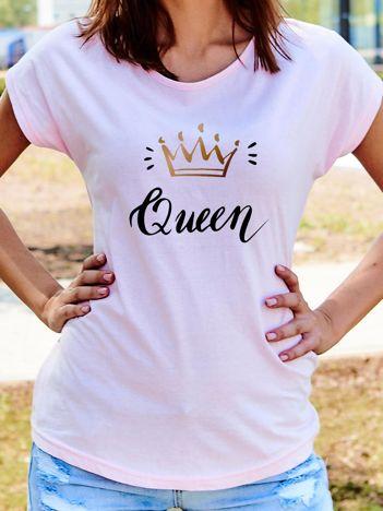 T-shirt damski z nadrukiem korony QUEEN jasnoróżowy