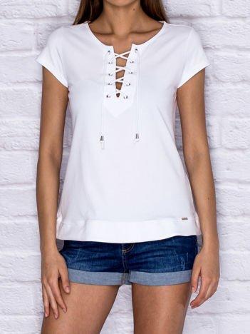 T-shirt damski z wiązaniem biały