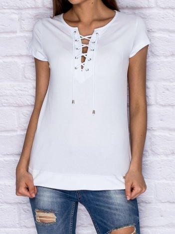 T-shirt damski z wiązaniem jasnoniebieski