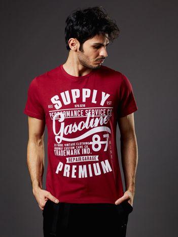 T-shirt męski bordowy z nadrukiem vintage