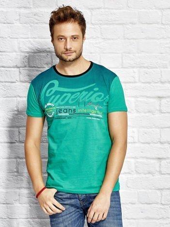T-shirt męski z miejskim nadrukiem zielony