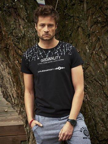 T-shirt męski z tłoczonym napisem czarny