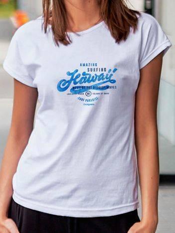 T-shirt z wakacyjnym nadrukiem biały