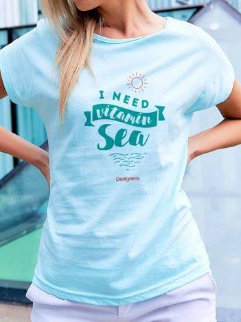 T-shirt z wczasowym nadrukiem turkusowy