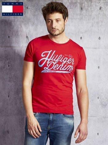 TOMMY HILFIGER Czerwony t-shirt męski z nadrukiem