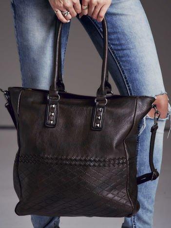Torba shopper z ćwiekami i ozdobnym wzorem ciemnobrązowa