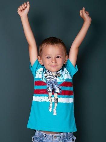 Turkusowy t-shirt dla chłopca z nadrukiem