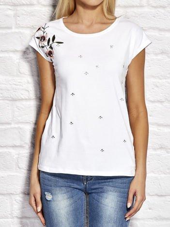YUPS Biały t-shirt z kwiatowym haftem i aplikacją