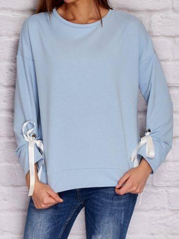 YUPS Bluza z wiązanymi wstążkami na rękawach niebieska