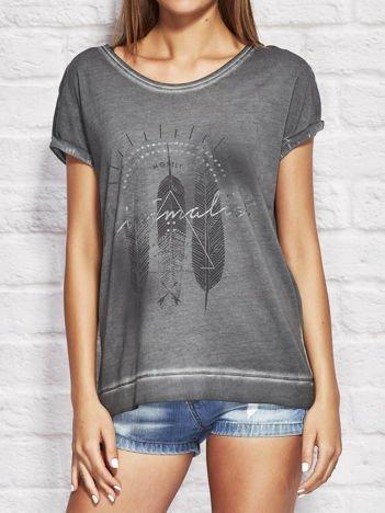 YUPS Ciemnoszary dekatyzowany t-shirt z motywem boho