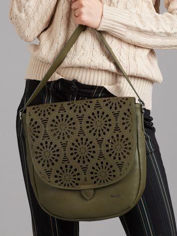 Zielona skórzana torba z ażurową klapką