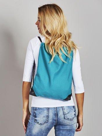 Zielony płócienny plecak worek