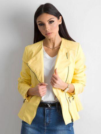 Żółta kurtka ze skóry ekologicznej