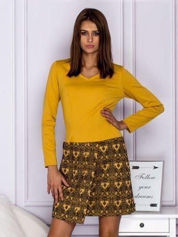 Żółta sukienka koktajlowa z ornamentową spódnicą