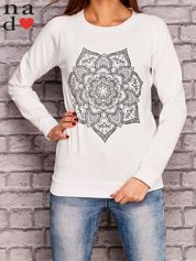 Biała bluza z ornamentowym nadrukiem